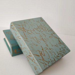 Titkok őre- könyv formájú doboz (világos kék) - Kerékgyártó Emese