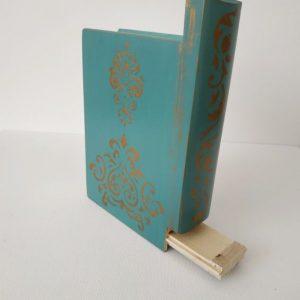 Titkok őre- könyv formájú doboz (vintage kék) - Kerékgyártó Emese